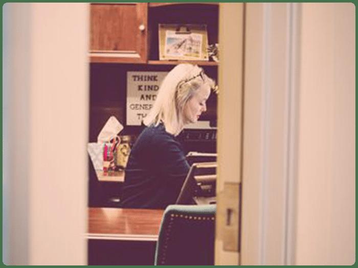 Kim in Office1
